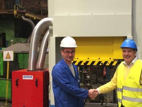 Nový kovací lis pre kovanie výhybiek na železnici pre spoločnosť Infrabel