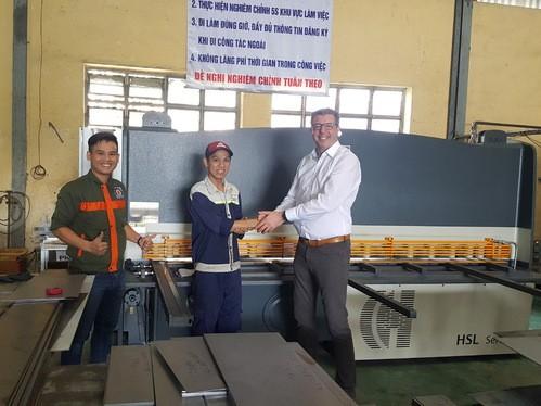 Instalacja pierwszej gilotyny HACO HSL3006 w Wietnamie