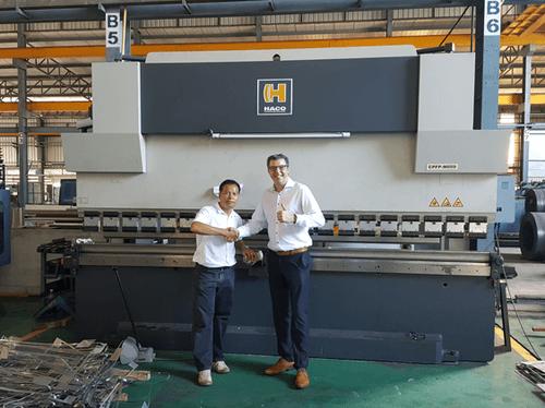 Sima Lohaphan używa 8 maszyn HACO do swojej produkcji